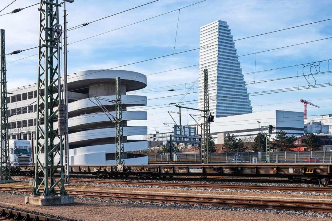 Das vorerst nur bis 2024 genehmigte Ro...er Bahnstrecke beim  Badischen Bahnhof  | Foto: Beat Ernst