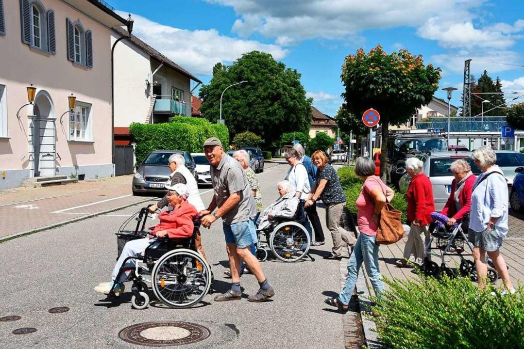 Für eine Tempo-30-Zone und einen weite...Bahnhof zum Mühlehof frequentiert ist.  | Foto: Robert Bergmann