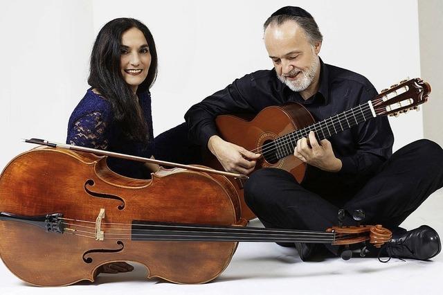 Klassik und Weltmusik mit Ariana Burstein (Cello) und Roberto Legnani (Gitarre) in Schopfheim-Fahrnau