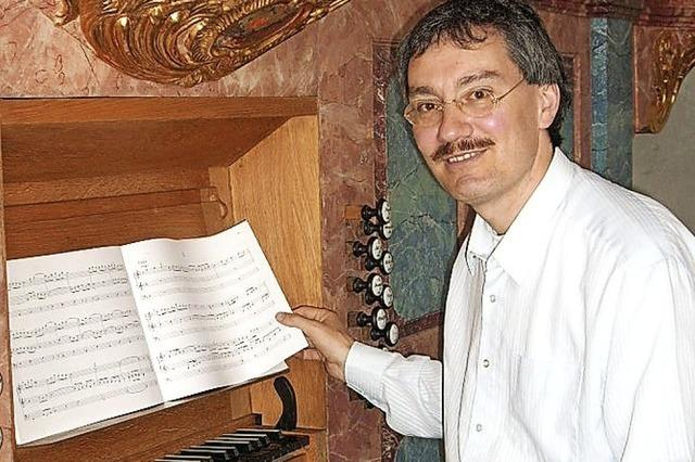 Dieter Lämmlin spielt an beiden Orgeln
