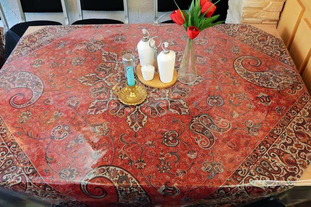 Die Tischdecken sind im persischen Stil gehalten.  | Foto: Hannes Selz