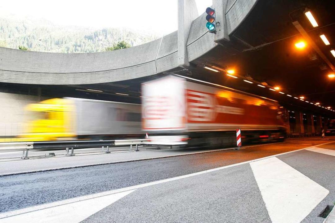 Der Gotthard-Tunnel ist in der Schweiz. Er ist schon über 100 Jahre alt.   | Foto: Urs Flueeler