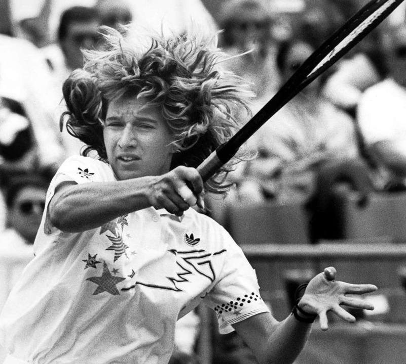 Steffi Graf in Aktion. Hier spielte sie 1988 am Hamburger Rothenbaum.   | Foto: Werner Baum (dpa)