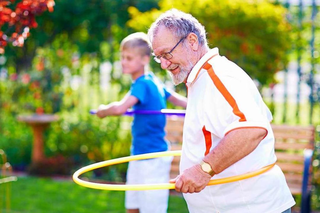 Jung und Alt sollen im geplanten Mehrg...von einander profitieren (Symbolbild).  | Foto: Zerocreatives
