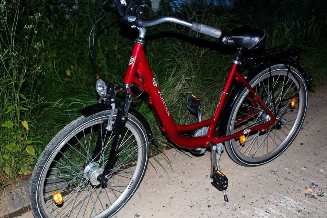 Das Damenrad, mit dem der Mann unterwegs war, hatte er wahrscheinlich gestohlen.  | Foto: Polizei