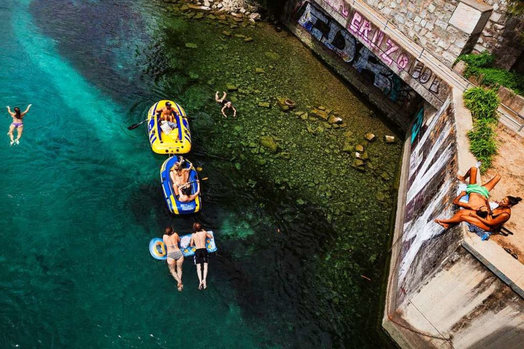 Flussschwimmen in Genf    Foto: Lucia de Mosteyrín Munnoz
