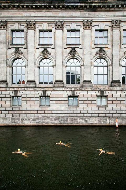 Der erste Berliner Flussbad Pokal    Foto: Annette Hausschild/ Ostkreuz