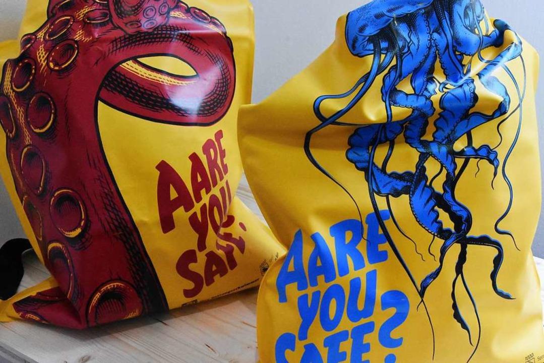 Berner Schwimmsäcke werben für Sicherheit    Foto: Kathrin Ganter