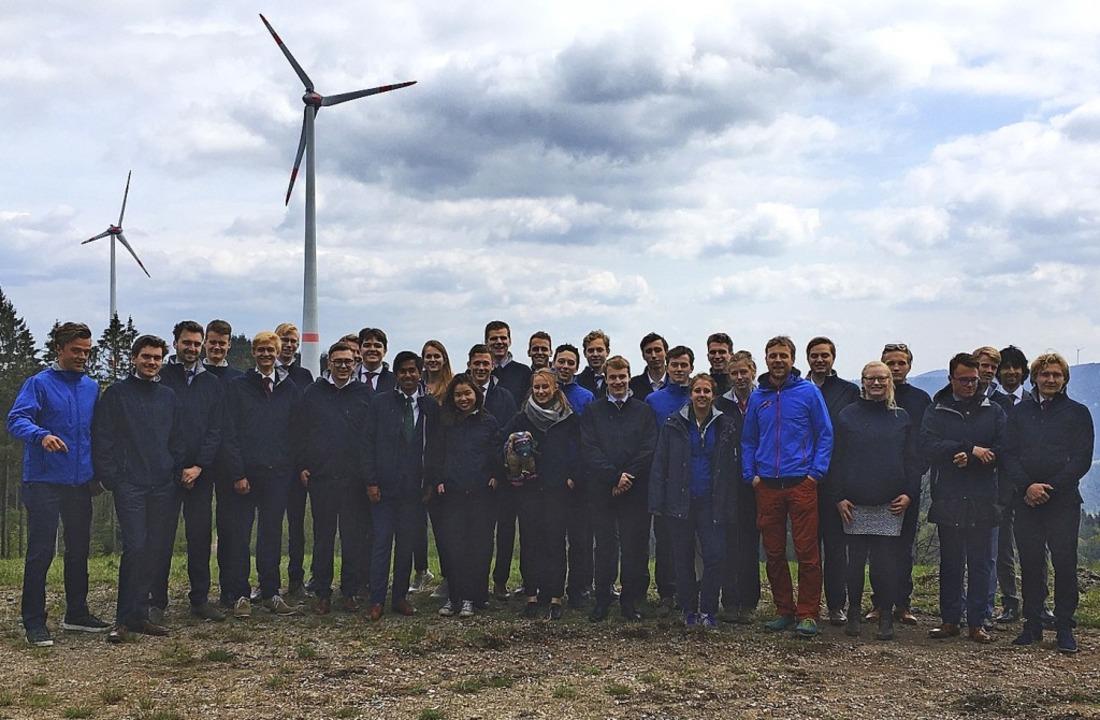 Die niederländische Studentengruppe auf der Prechtäler Schanze  | Foto: Windkraft Schonach