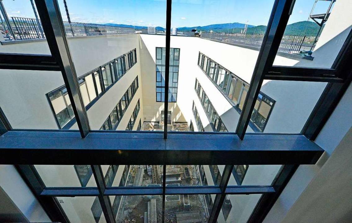 Das Institut für physikalische Messtechnik (IPM).  | Foto: Michael Bamberger