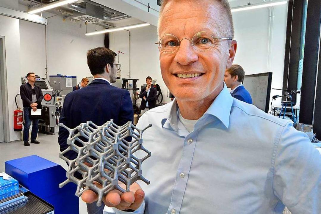 Am Institut für Kurzzeitdynamik Ernst-...gestellt – mit einem 3D-Drucker.  | Foto: Michael Bamberger