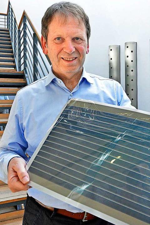Am Institut für Solare Energiesysteme ...n Batterien und Elektrolyse geforscht.  | Foto: Michael Bamberger