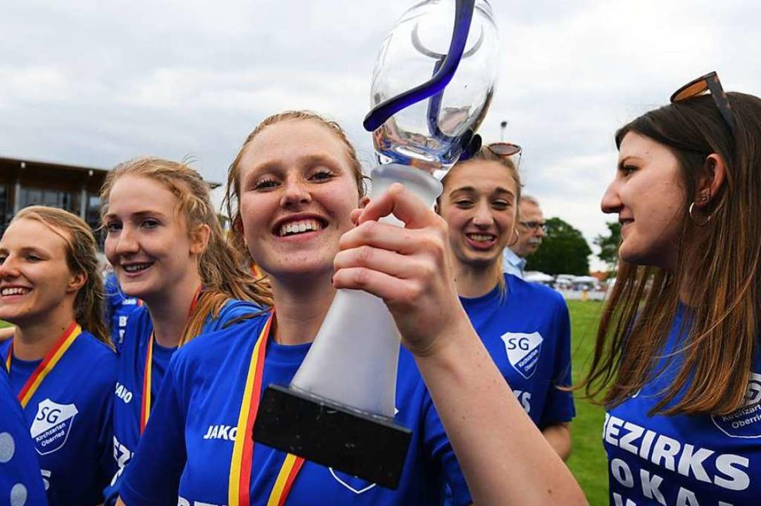 Laura Huber und ihre Mitstreiterinnen ...okalfinale gegen Eichstetten gewonnen.  | Foto: Patrick Seeger