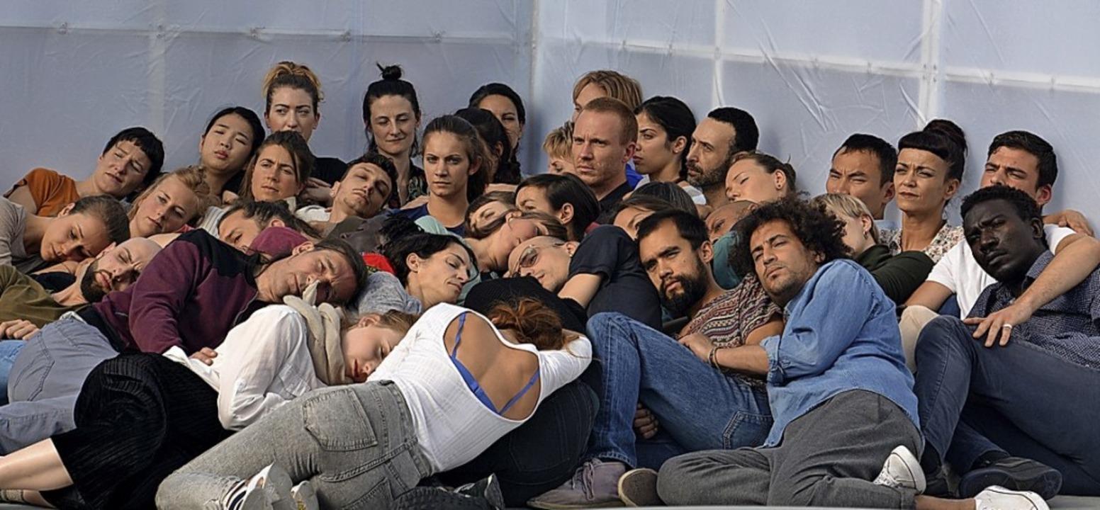 "Alexandra Piricis Performance-Projekt ...gt den Titel ""Aggregate"".   | Foto: Savera Kang"