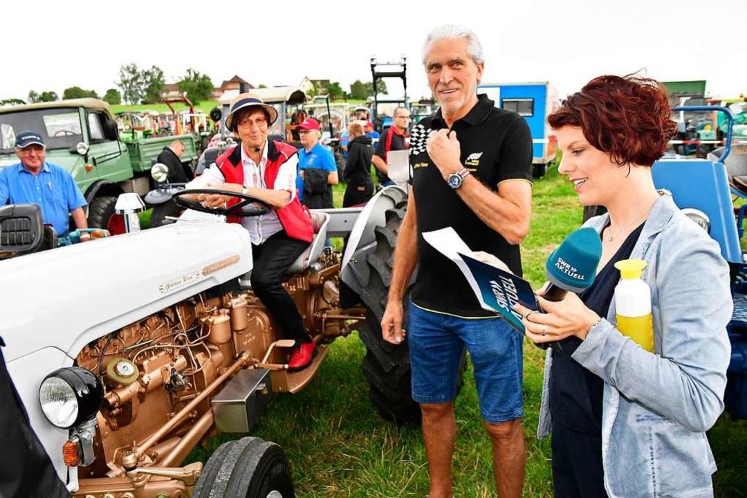 Vereinschef Alfred Haas und SWR-Moderatorin Magdalena Haupt  | Foto: Dieter Erggelet