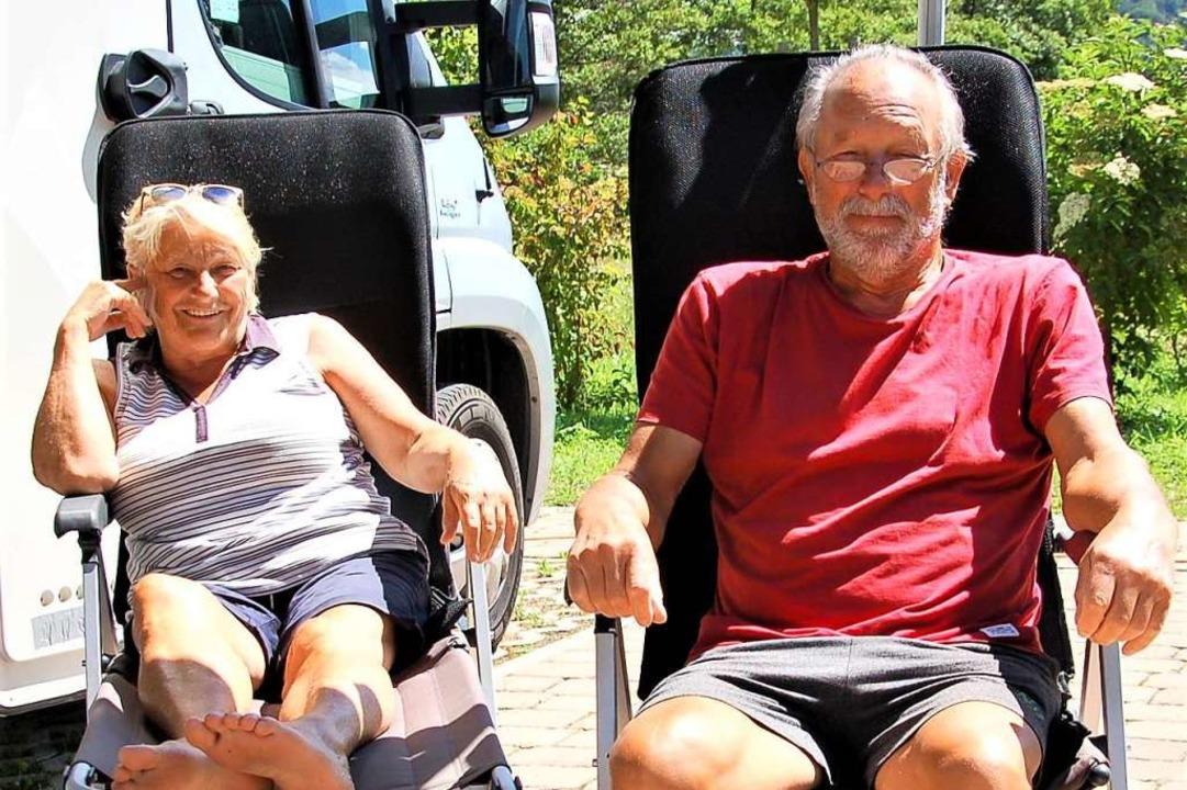 Renate und Walter Slenzka aus  Westfalen sind schon zum fünften Mal in Lahr.  | Foto: Wolfgang Beck