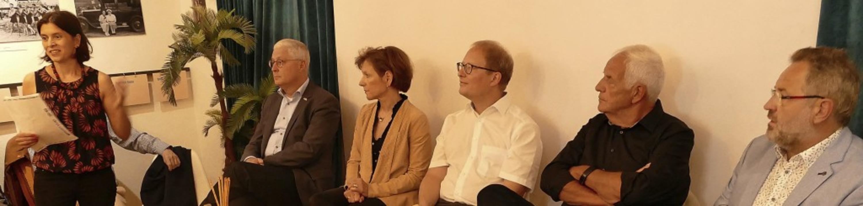 Auf Einladung von Kuratorin Barbara Br...hmenden Polarisierung in der Politik.   | Foto: Ulrich Senf
