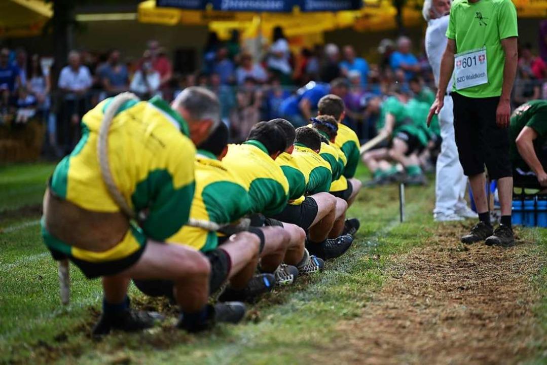 Eine Mannschaft aus acht Männern darf ...ie Gewichtsklasse, in der sie antritt.  | Foto: Jonas Hirt