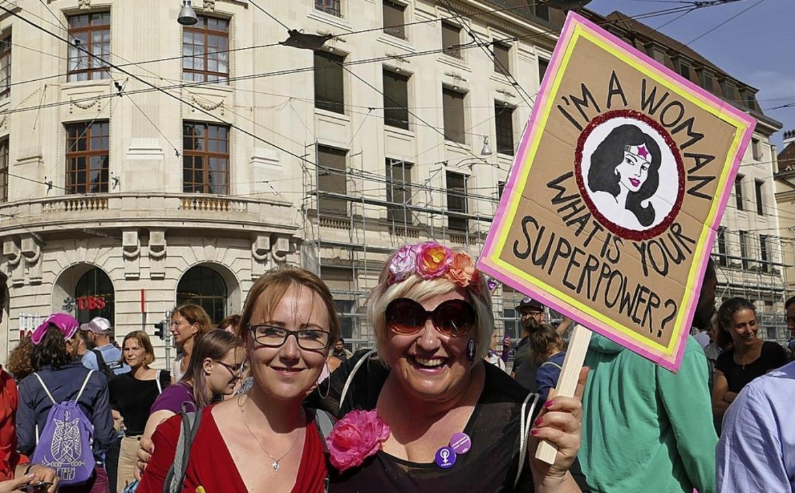 Fröhlich, aber auch wütend: Frauen in Basel  | Foto: Martina David-Wenk