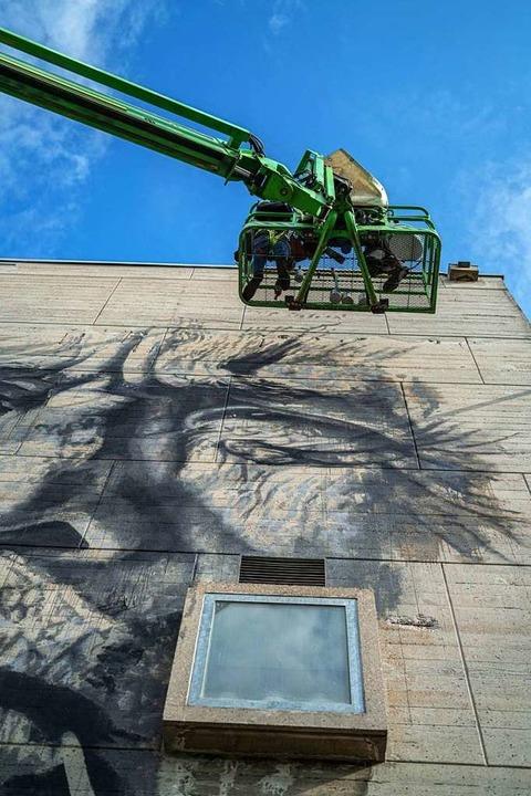 Streetart am Dreispitz in Münchenstein. Bemalung durch Hendrik ECB Beikirch.  | Foto: Daniel Bossart