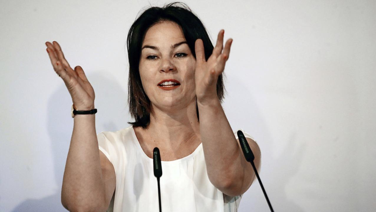 Grünen-Chefin Annalena Baerbock am  Sa...auf einer Parteiversammlung in Erfurt   | Foto: Bodo Schackow (dpa)