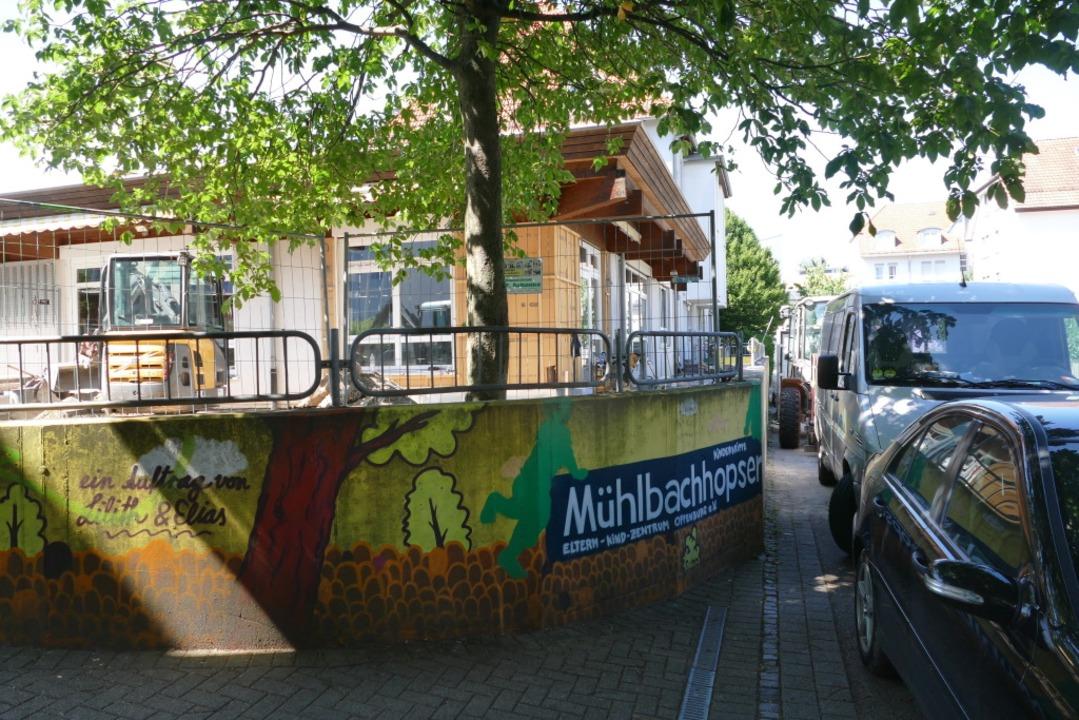 Die Kinderkrippe Mühlbachhopser wird d...auch noch einer juristische Baustelle.  | Foto: Ralf Burgmaier