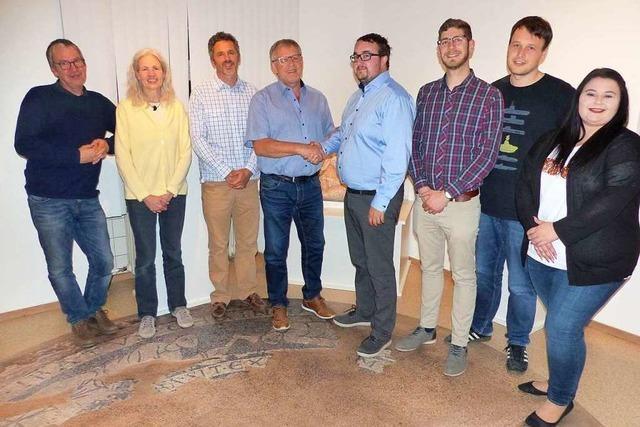 Lahrer Hobby-Historiker helfen ihren Kollegen in Schuttern mit 3000 Euro aus