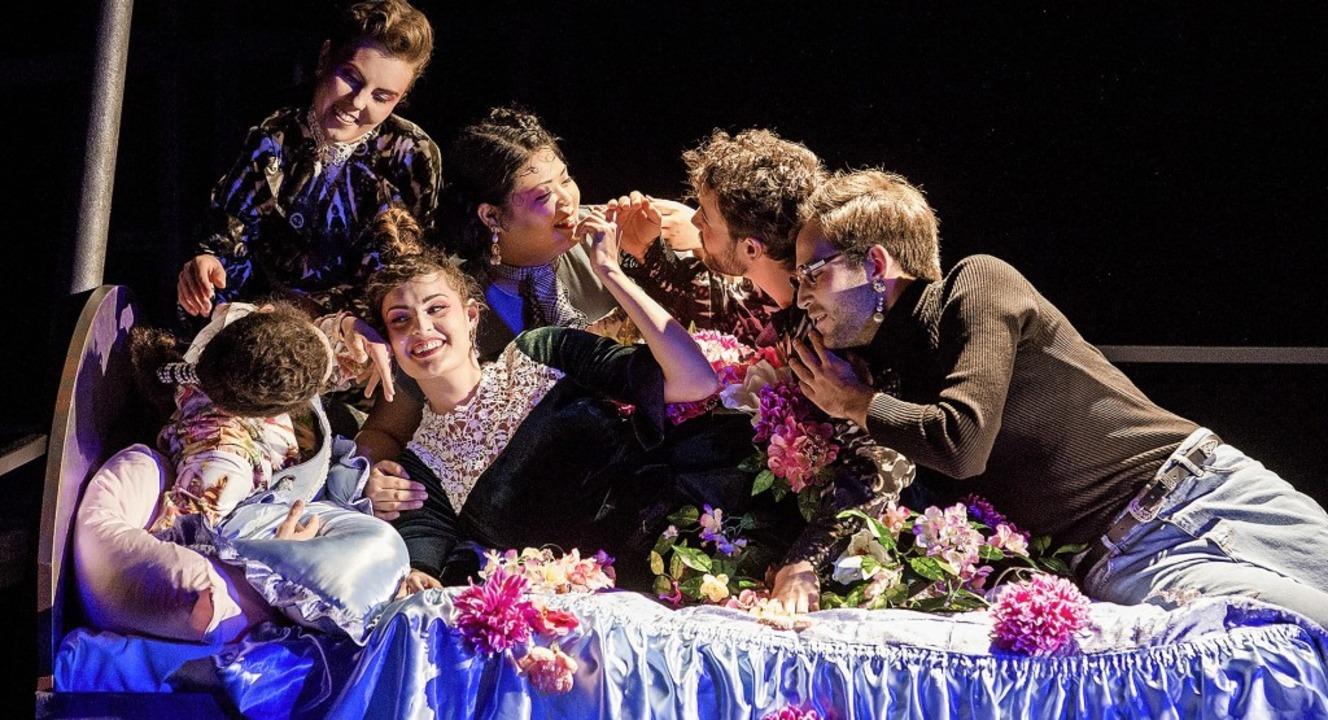 "Intrigen, Zauber, Liebe: Szene aus dem...-Teil in ""Schau mich an!""   | Foto: Rainer Muranyi"
