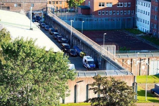 Geiselnehmer hält Frau in Lübecker Gefängnis stundenlang in seiner Gewalt