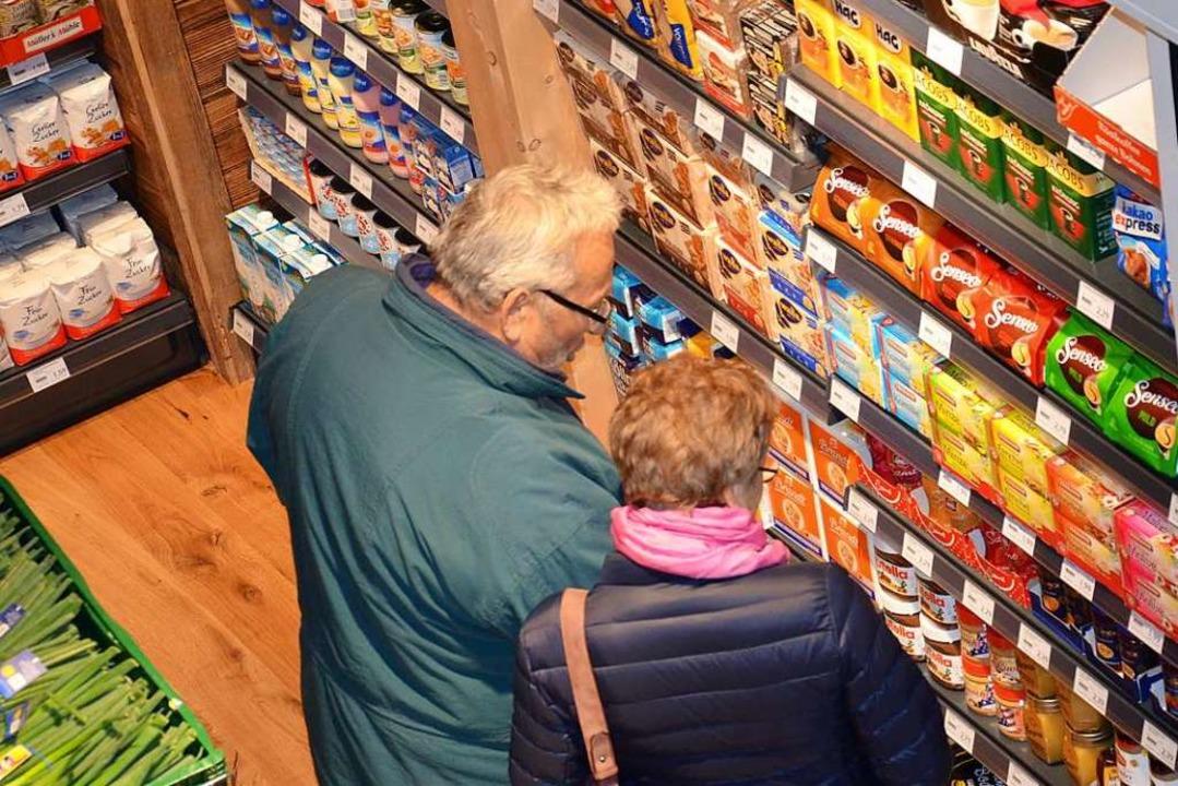 Die Fragebogenaktion ergab: 89 Prozent...inem Dorfladen einkaufen (Symbolbild).  | Foto: Karl Kovacs