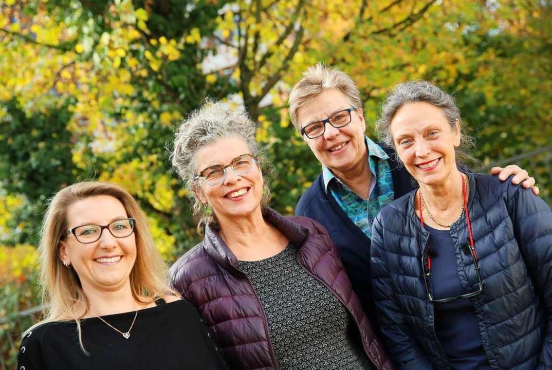 Vier der  in Vorstand und Verein aktiv...ferle, Evelyn Krümmel und Karin Treek.  | Foto: Marx/Frauen helfen Frauen