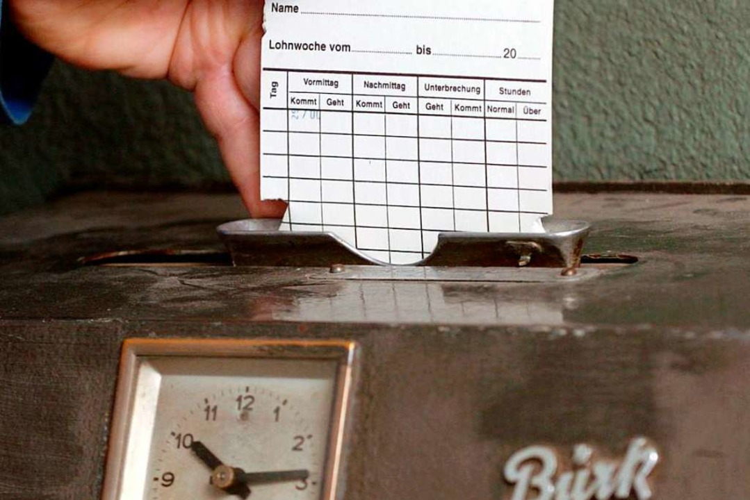 Kehrt die Stechkarte zurück? Der Europ...ng aller Arbeitszeiten vorzuschreiben.  | Foto: Achim Scheidemann