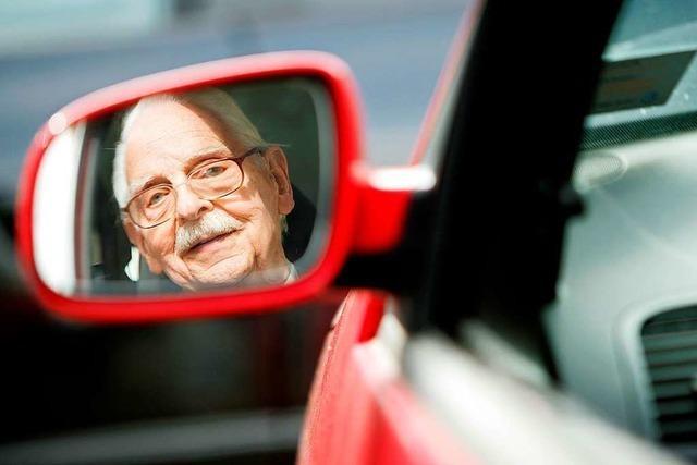 Grenzach-Wyhlen: Senior baut Unfall und gibt Führerschein ab