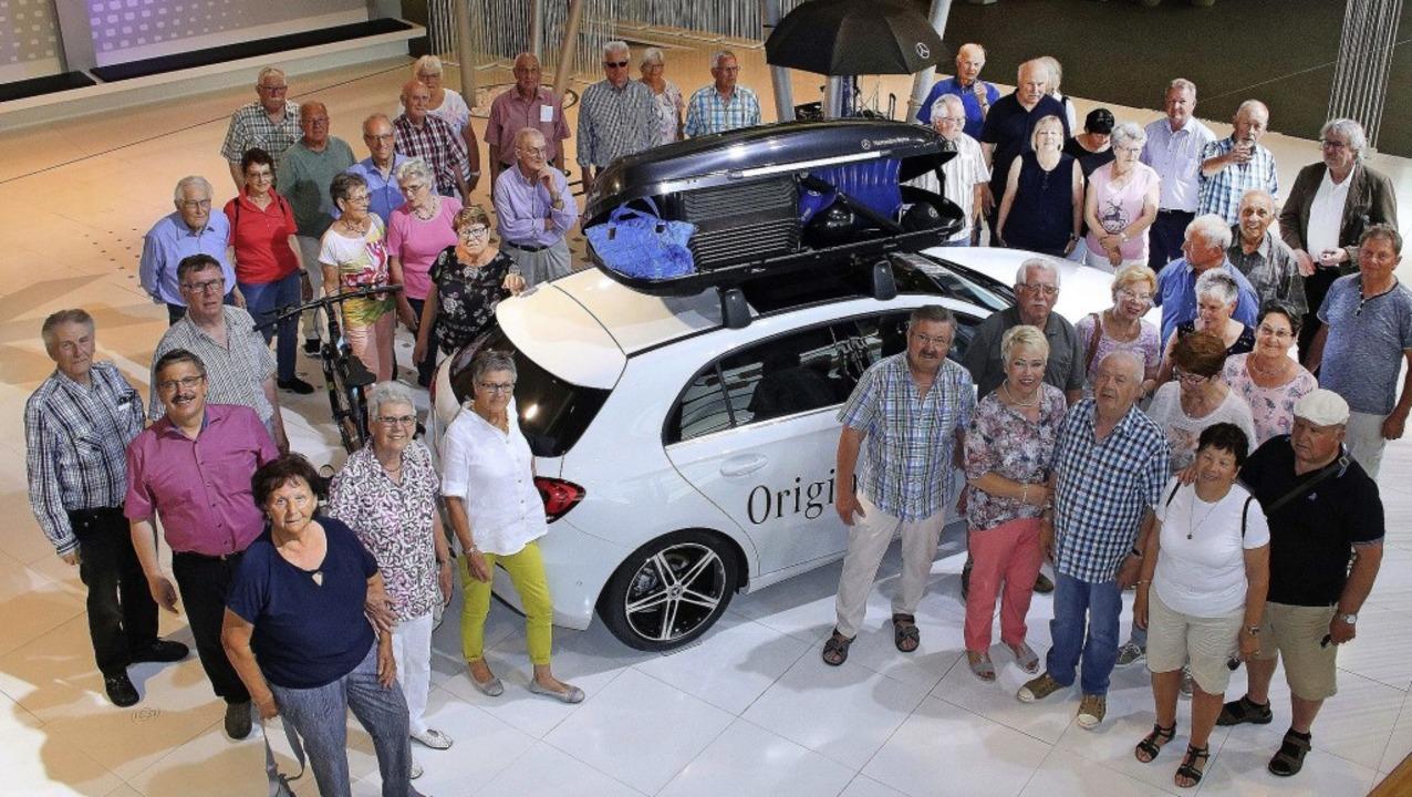 50 Ettenheimer besuchten das Mercedes-Benz-Werk in Rastatt.     Foto: Ulrike Hiller