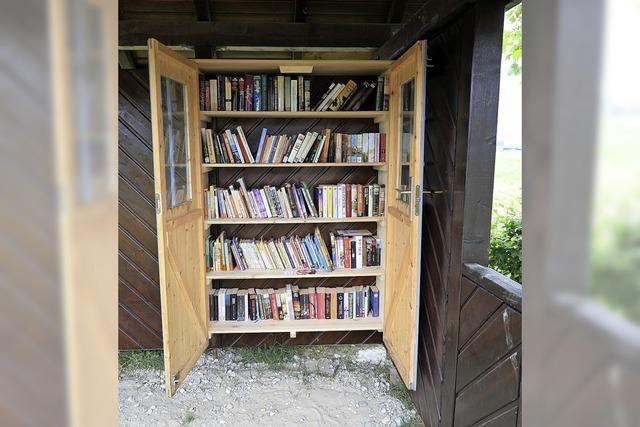 Buchwartehäuschen in Müllen