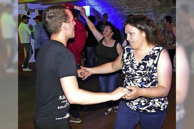 Erste Single-Tanzparty gleich ein Hit