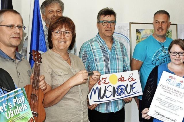 Dorffest mit über 300 Musikanten