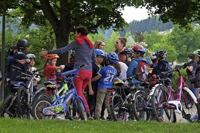 Sportliche Aktivitäten mit Schülern