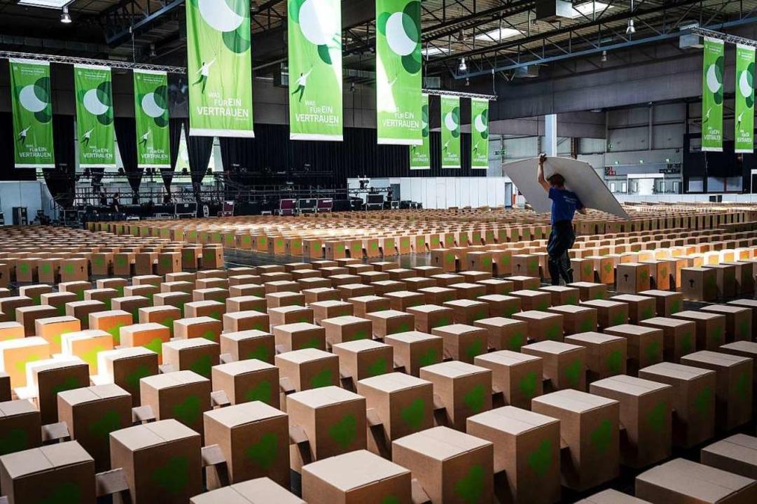In der Messehalle in Dortmund kommen b...ag auch politische Themen zur Sprache.  | Foto: Bernd Thissen (dpa)