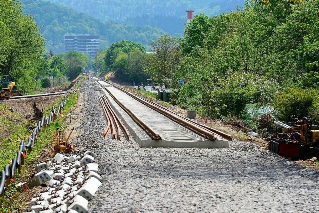 Gleise zwischen Landwasser und der 11....ild vom Mai 2019 auf Höhe Wolfswinkel.  | Foto: Ingo Schneider