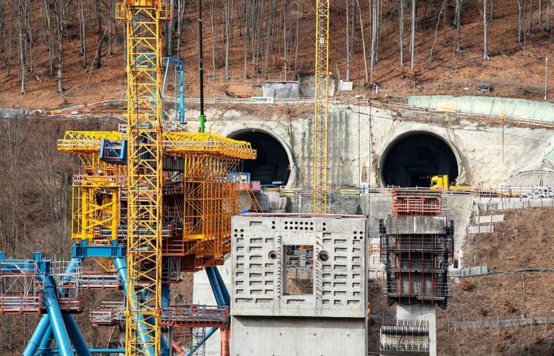 Ein Teil der Betonverschalung ist auf ...gen-Ulm des Bahnprojekts Stuttgart 21.  | Foto: Fabian Sommer