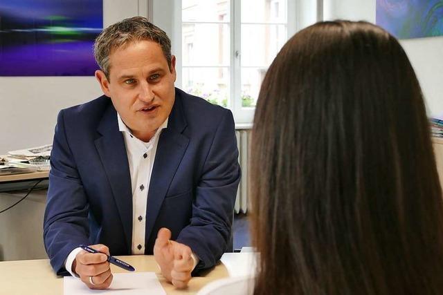 Schopfheims Bürgermeister Dirk Harscher freut sich über die Resonanz seiner Sprechstunden