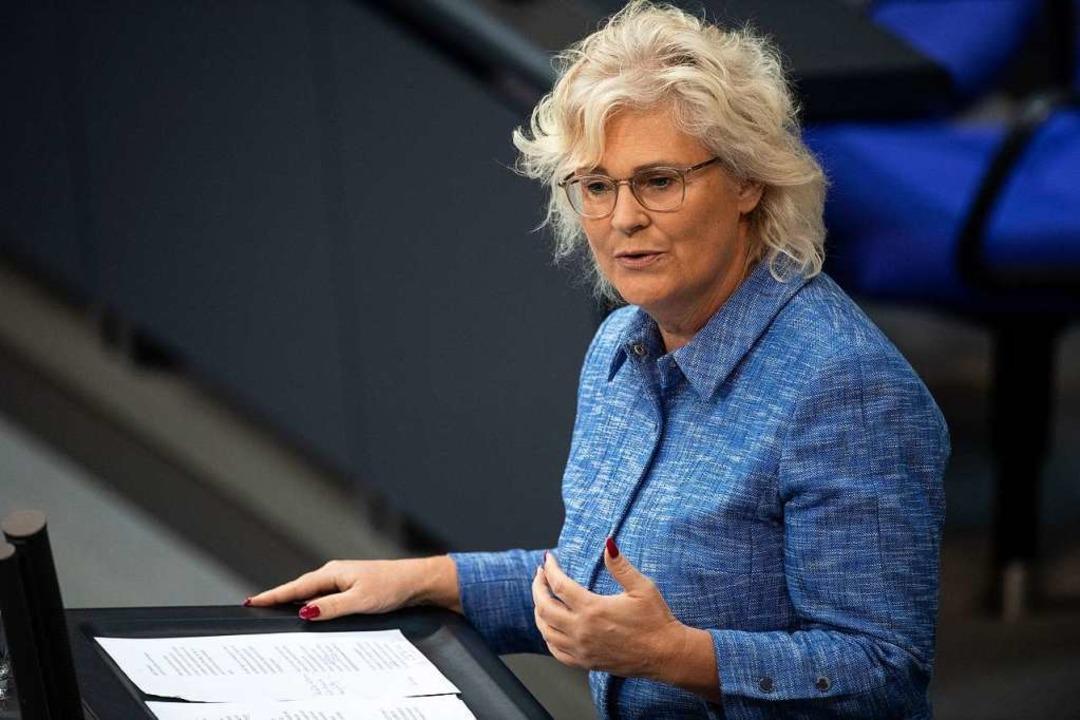 Lambrecht ist Rechtsanwältin und sitzt seit 1998 im Bundestag.  | Foto: Fabian Sommer (dpa)