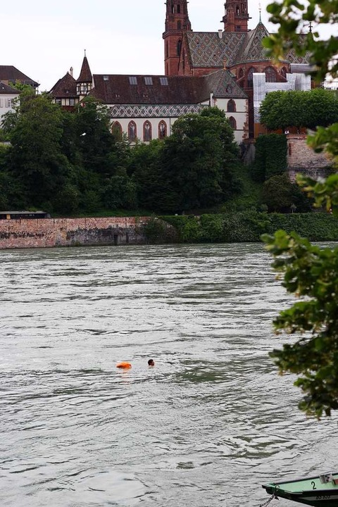 Die braucht man, um sein Gepäck trocken durch den Rhein treiben zu lassen.  | Foto: Joshua Kocher