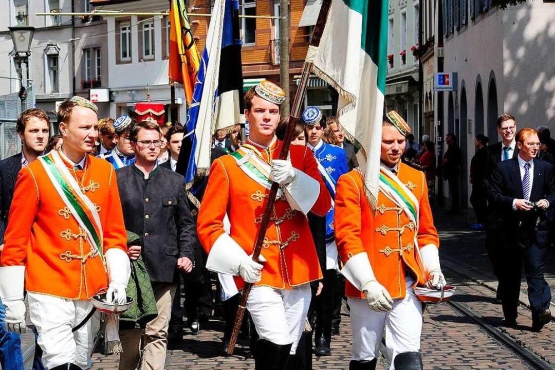 Mit dabei:  Mitglieder der katholischen Studentenverbindung KDStV Falkenstein.  | Foto: Thomas Kunz