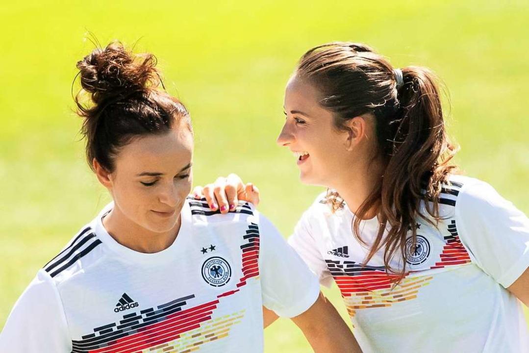 Lina Magull (2015 – 2018) und Sa...211; 2015) profitierten sehr vom SC.    | Foto: Sebastian Gollnow (dpa)