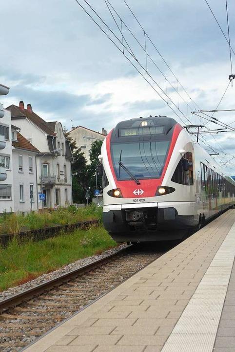 Für die Taktverdichtung der S-Bahn zwi...d Lörrach gibt es Geld aus der Schweiz  | Foto: Daniel Gramespacher
