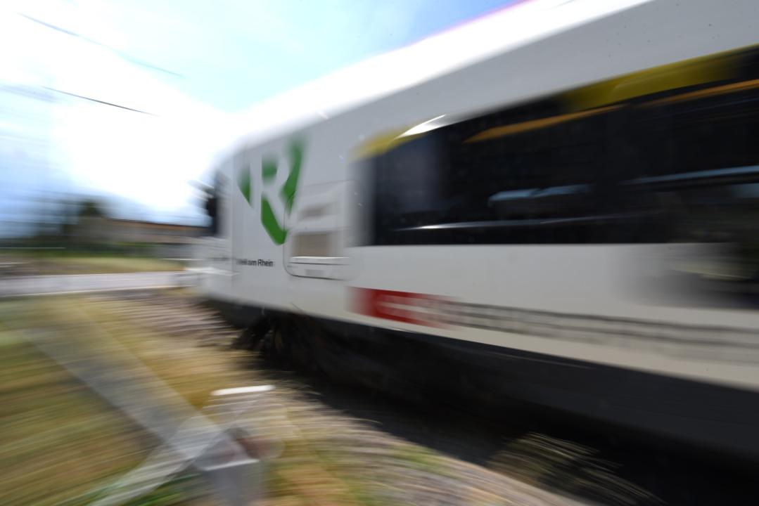 Für die Taktverdichtung der S-Bahn zwi... Lörrach gibt es Geld aus der Schweiz.  | Foto: Jonas Hirt
