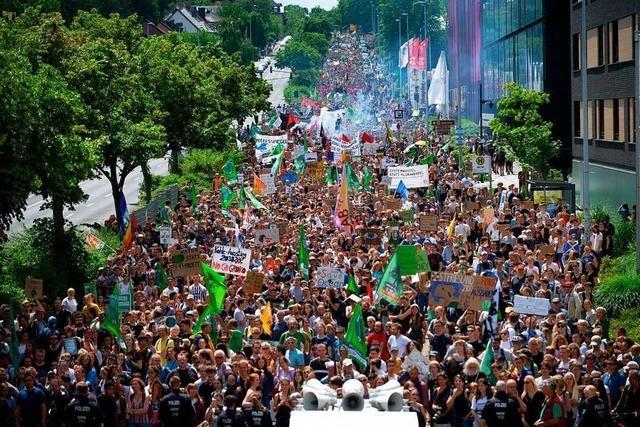 Tausende Schüler demonstrieren bei Fridays-for-Future-Demo in Aachen