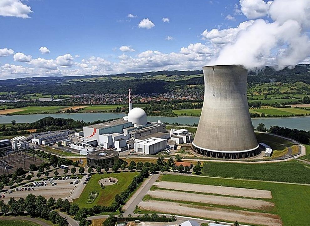 Das Schweizer Kernkraftwerk Leibstadt (KKL) gegenüber Waldshut und Dogern   | Foto: Kkl